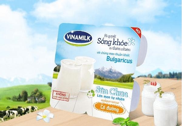 Calo trong 1 hộp sữa chua Vinamilk không đường và 1 hộp sữa chua có đường bao nhiêu calo?